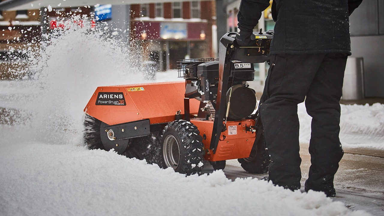2017 Ariens Hydro Brush 36 in Kansas City, Kansas