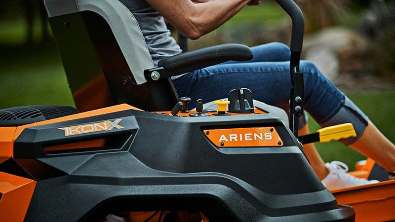2018 Ariens Ikon X 42 Kawasaki in Greenland, Michigan