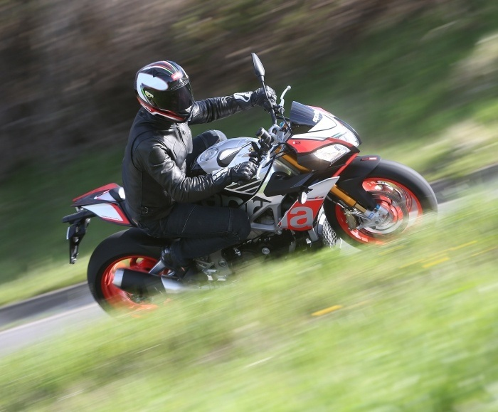 2016 Aprilia Tuono V4 Factory 1100 ABS in Plymouth, Massachusetts - Photo 16