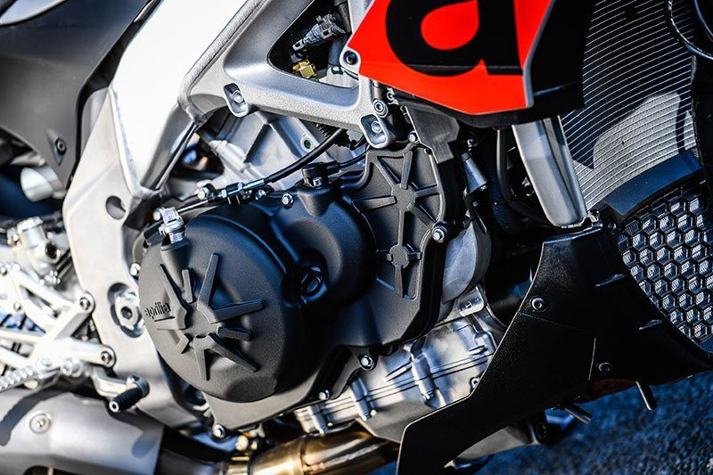 2018 Aprilia Tuono V4 1100 RR ABS in Orange, California - Photo 10