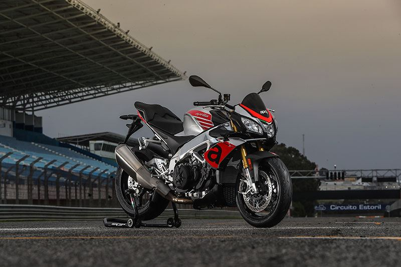 2018 Aprilia Tuono V4 1100 RR ABS in Orange, California - Photo 5