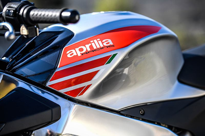 2018 Aprilia Tuono V4 1100 RR ABS in Woodstock, Illinois