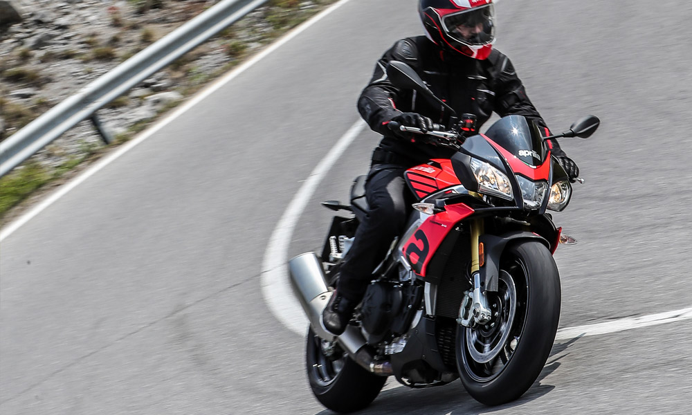 2020 Aprilia Tuono V4 1100 RR ABS in Woodstock, Illinois - Photo 11