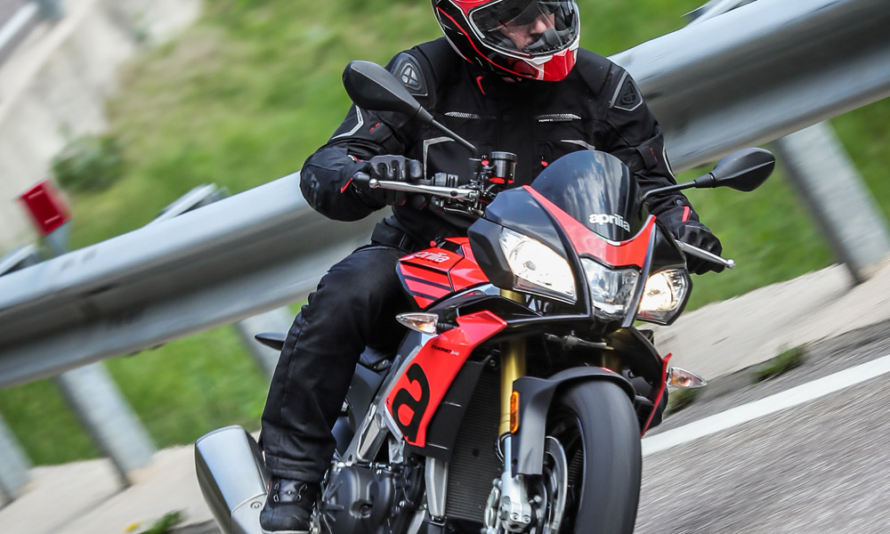 2020 Aprilia Tuono V4 1100 RR ABS in Woodstock, Illinois - Photo 13