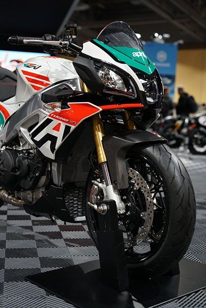 2020 Aprilia Tuono V4 1100 RR misano in Woodstock, Illinois - Photo 2