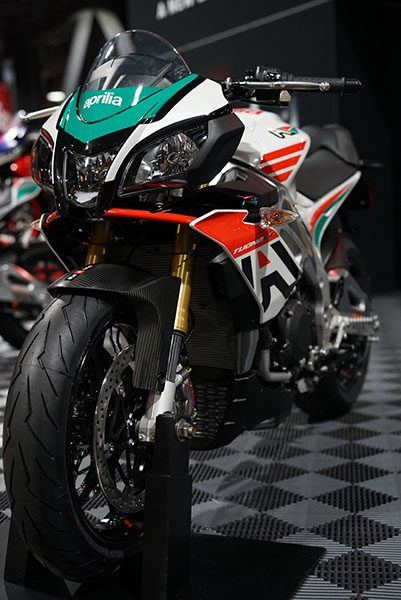 2020 Aprilia Tuono V4 1100 RR misano in Woodstock, Illinois - Photo 3