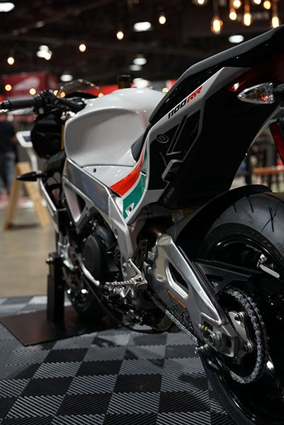 2020 Aprilia Tuono V4 1100 RR misano in Woodstock, Illinois - Photo 6