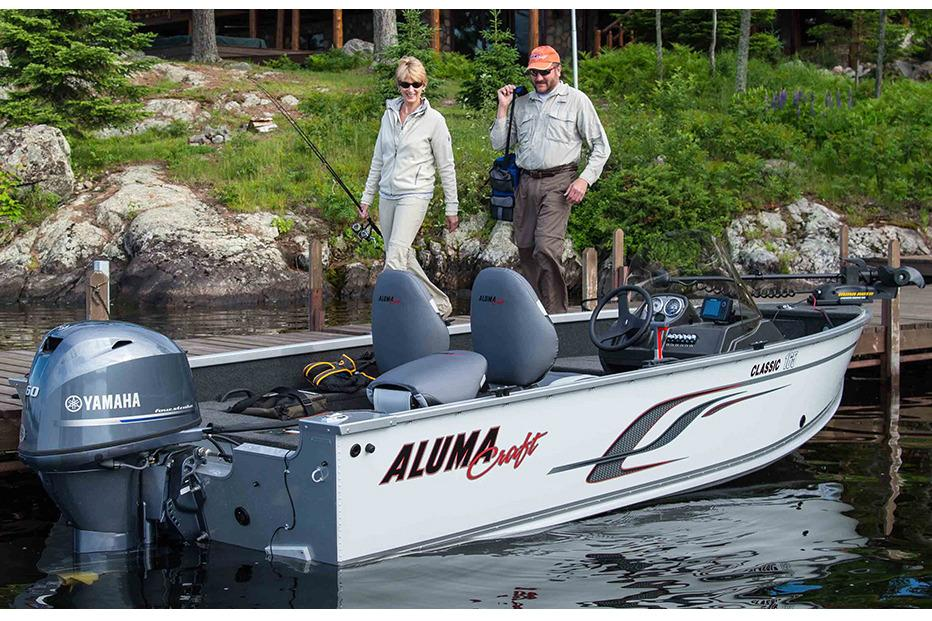 2016 Alumacraft Classic 165 CS in Trego, Wisconsin