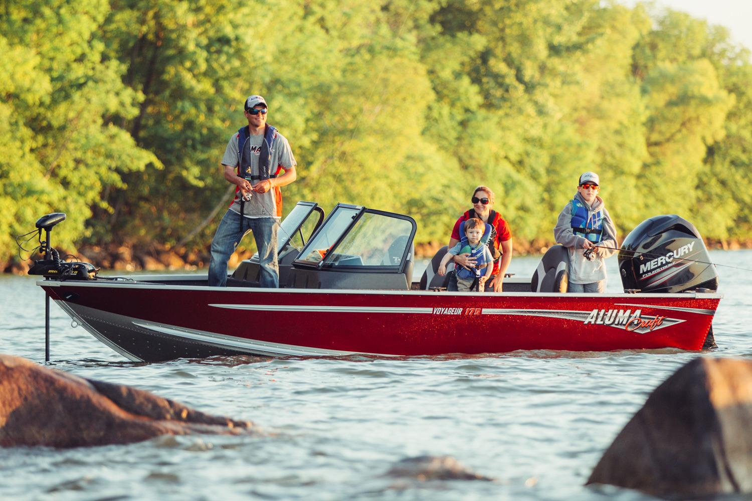 2017 Alumacraft Voyageur 175 Sport in Madera, California