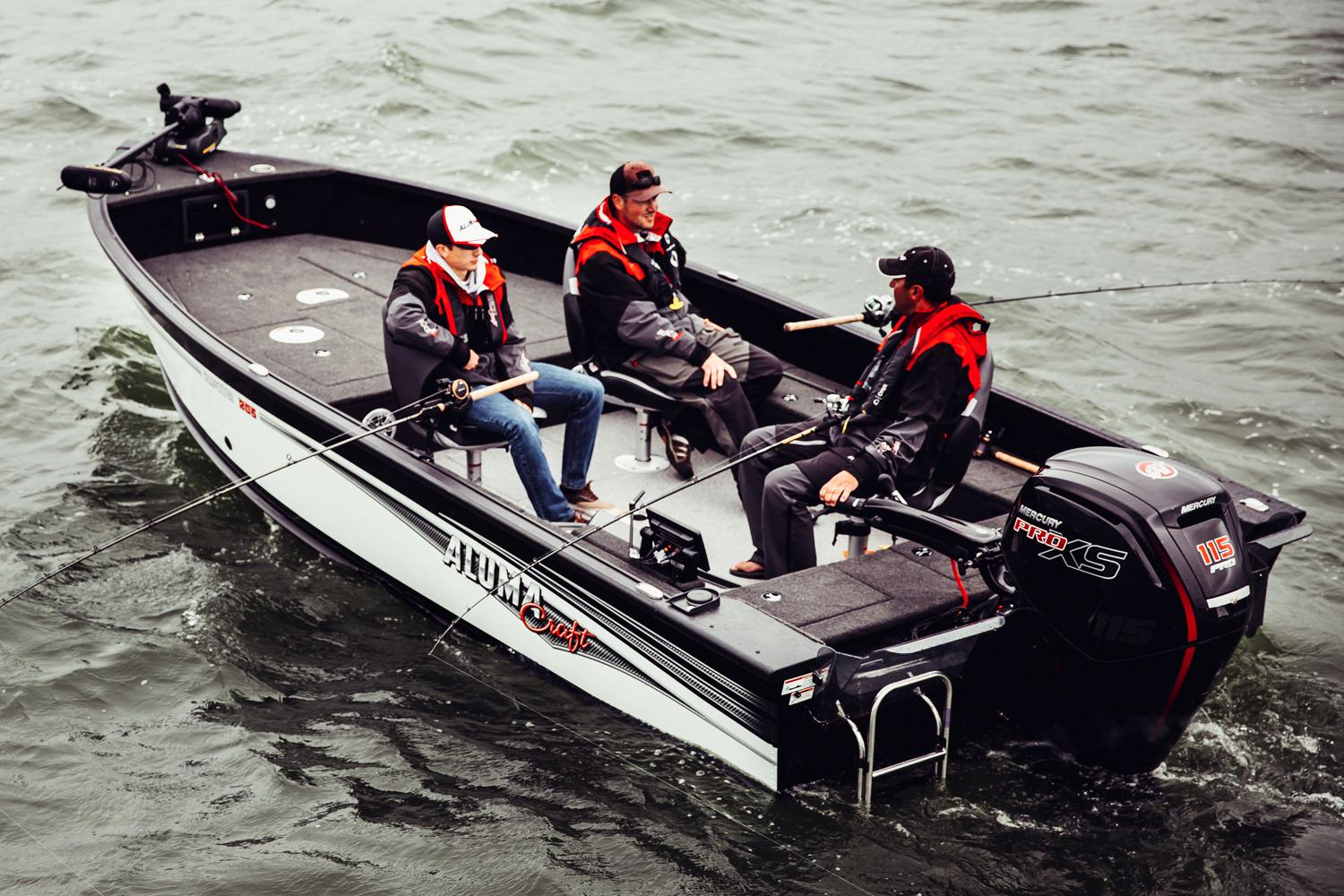 2018 Alumacraft Competitor 205 Tiller in Black River Falls, Wisconsin