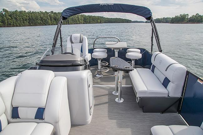 2018 AquaPatio 195 CB in Coloma, Michigan - Photo 2