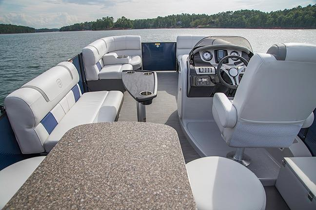 2018 AquaPatio 195 CB in Coloma, Michigan - Photo 3