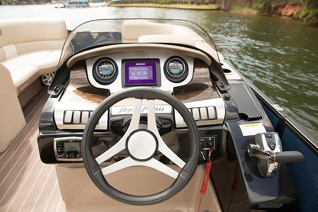 2018 AquaPatio 235 UL in Coloma, Michigan - Photo 6