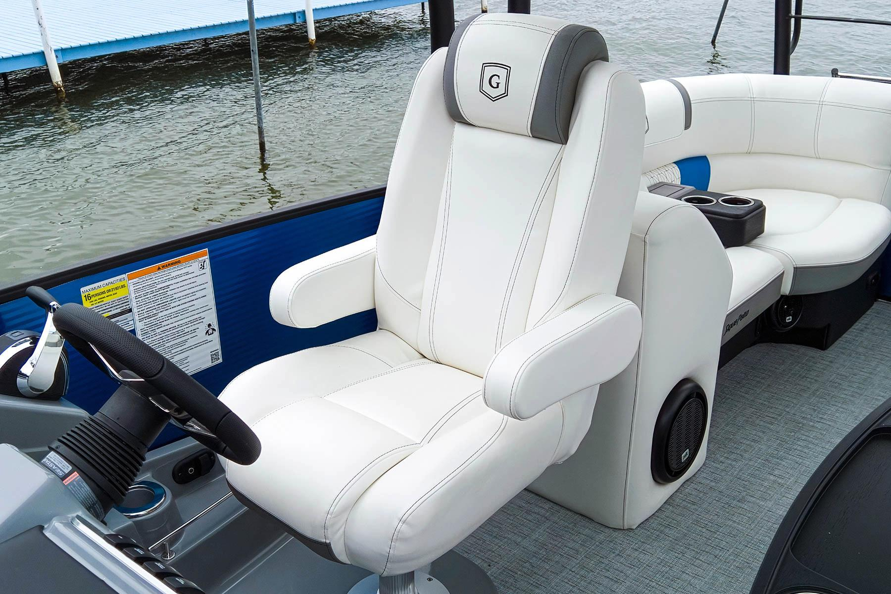 2019 AquaPatio 255 SB in Coloma, Michigan - Photo 4