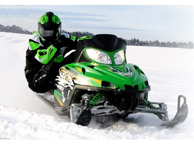 2010 Arctic Cat CFR 1000 in Rothschild, Wisconsin
