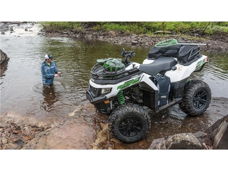 2016 Arctic Cat Alterra 700 XT in Shawano, Wisconsin