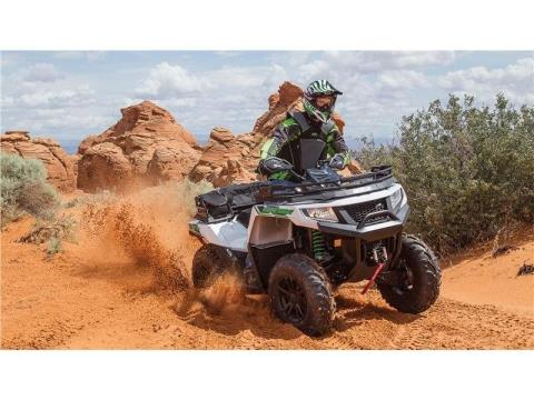 2016 Arctic Cat Alterra 700 XT in Hendersonville, North Carolina