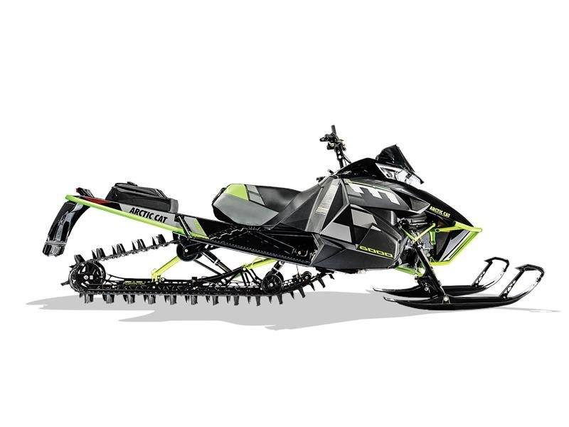 2017 Arctic Cat M 8000 Limited 162 ES in Calmar, Iowa