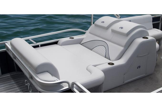 2017 Avalon Catalina Rear Lounge - 23' in Ontario, California