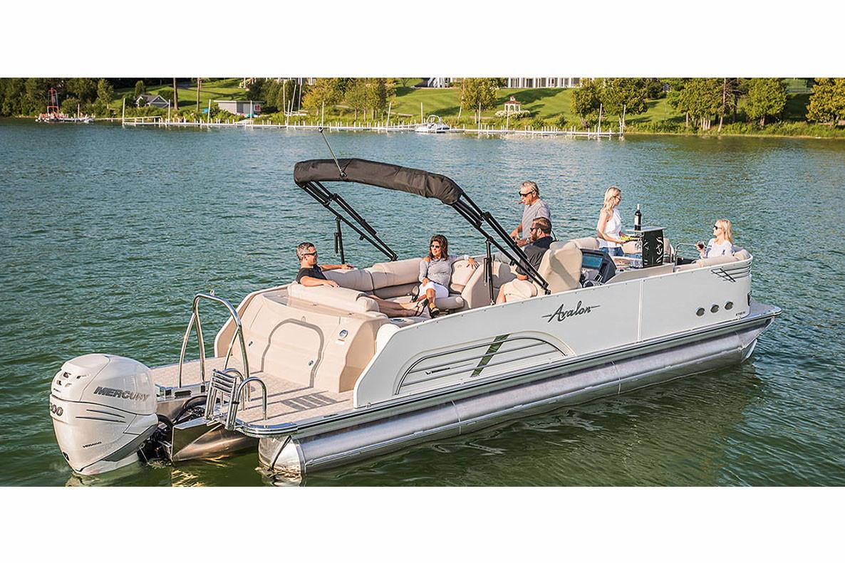 2018 Avalon Ambassador Rear J Lounge - 27' in Black River Falls, Wisconsin