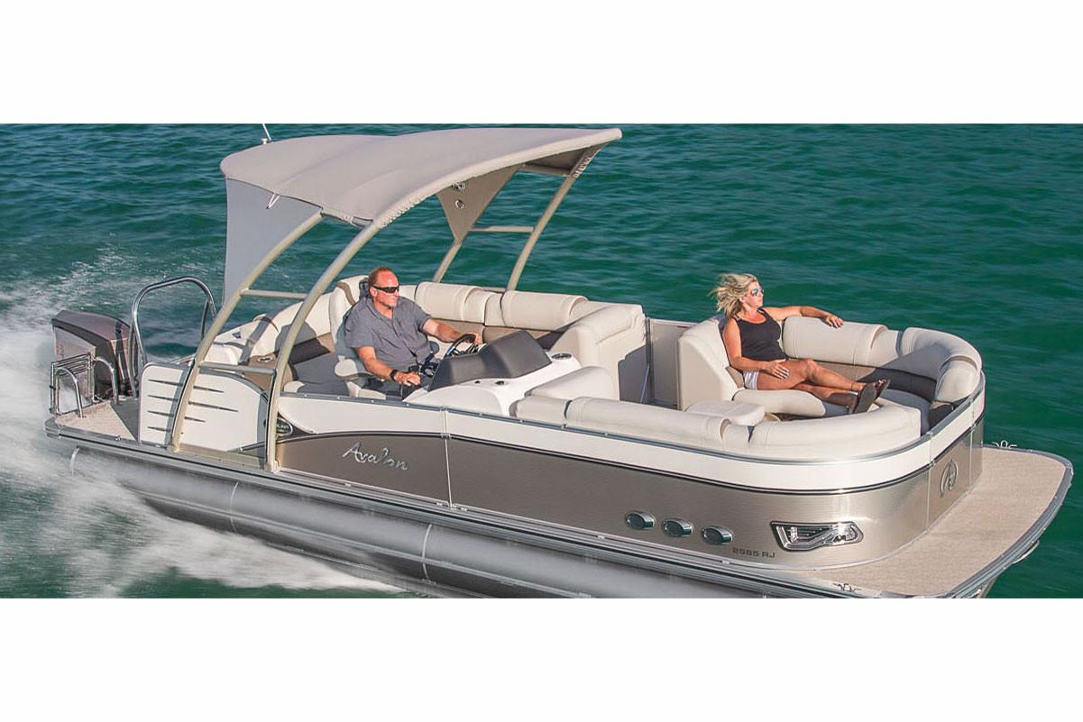 2018 Avalon Catalina Platinum Rear J Lounge - 25' in Memphis, Tennessee