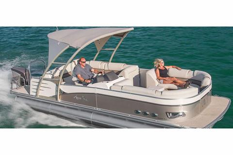 2018 Avalon Catalina Platinum Rear J Lounge - 25' in Black River Falls, Wisconsin