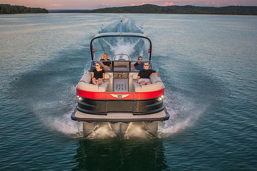 2018 Avalon Excalibur Elite Windshield - 27' in Norfolk, Virginia - Photo 4
