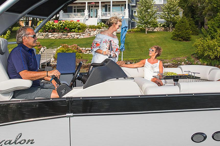 2019 Avalon Catalina Platinum Quad Lounge - 25' in Black River Falls, Wisconsin