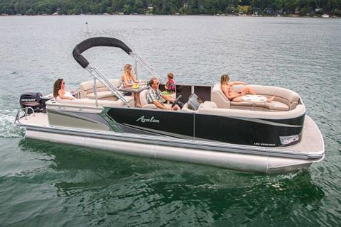 2019 Avalon LSZ Entertainer - 26' in Lancaster, New Hampshire