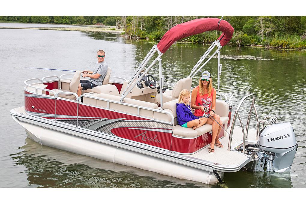 2019 Avalon LS Bow Fish - 18' in Lancaster, New Hampshire