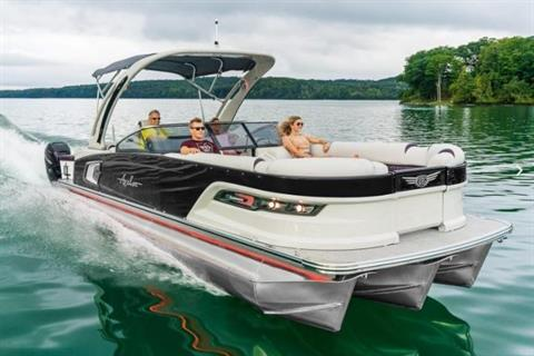 2020 Avalon Excalibur Elite Windshield - 27' in Lancaster, New Hampshire