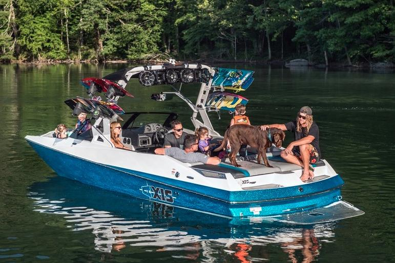 2016 Axis A24 in Round Lake, Illinois