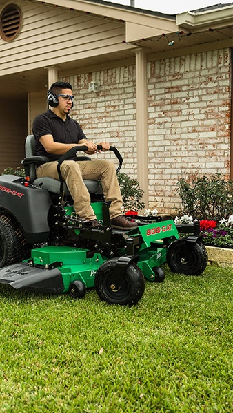 2019 Bob-Cat Mowers CRZ 42 in. Kawasaki 726 cc in Brockway, Pennsylvania