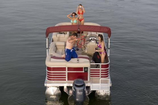 2016 Bennington 2375 RL in Round Lake, Illinois