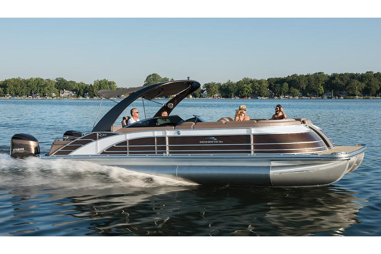 2019 Bennington Q 30 Wide Beam Swingback in Superior, Wisconsin - Photo 1