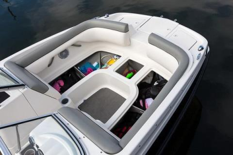 2015 Bayliner 190 Deck Boat in Fort Smith, Arkansas