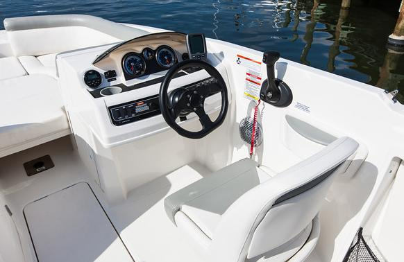 2017 Bayliner 210 Deck Boat in Amory, Mississippi