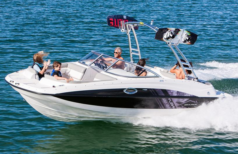 2018 Bayliner 215 Deck Boat in Kaukauna, Wisconsin
