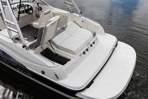 2018 Bayliner 215 Deck Boat in Amory, Mississippi