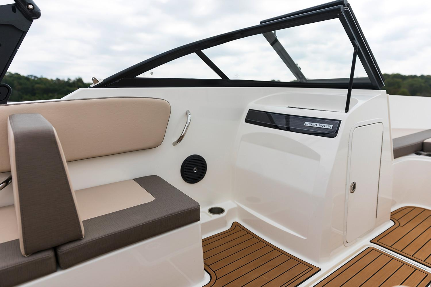 2018 Bayliner VR4 Bowrider OB in Amory, Mississippi - Photo 5