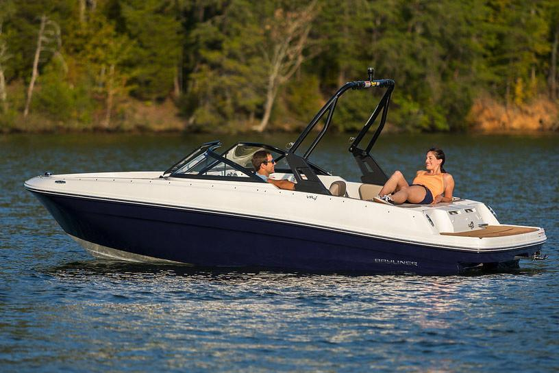 2019 Bayliner VR4 Bowrider I/O in Amory, Mississippi - Photo 1
