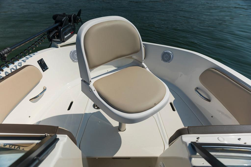 2019 Bayliner VR5 Bowrider I/O in Lagrange, Georgia - Photo 8