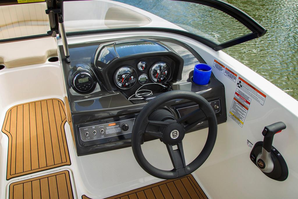 2019 Bayliner VR5 Bowrider I/O in Lagrange, Georgia - Photo 10