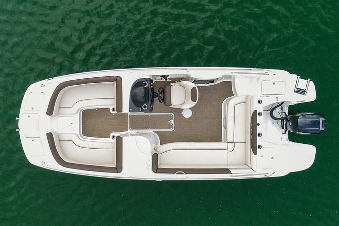 2019 Bayliner 210 Deck Boat in Lagrange, Georgia - Photo 5