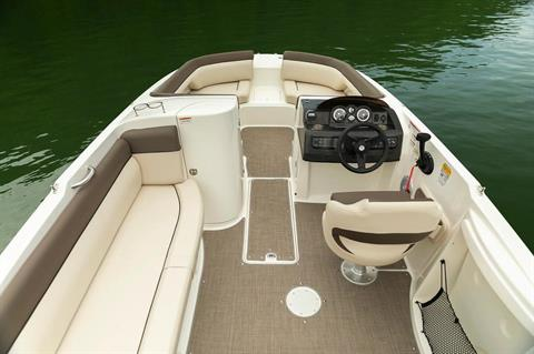 2019 Bayliner 210 Deck Boat in Amory, Mississippi - Photo 13