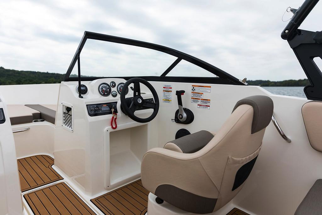 2020 Bayliner VR4 Bowrider I/O in Amory, Mississippi - Photo 8
