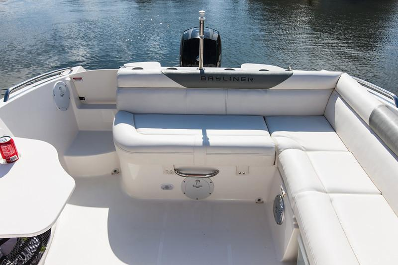 2020 Bayliner 210 Deck Boat in Kaukauna, Wisconsin - Photo 10