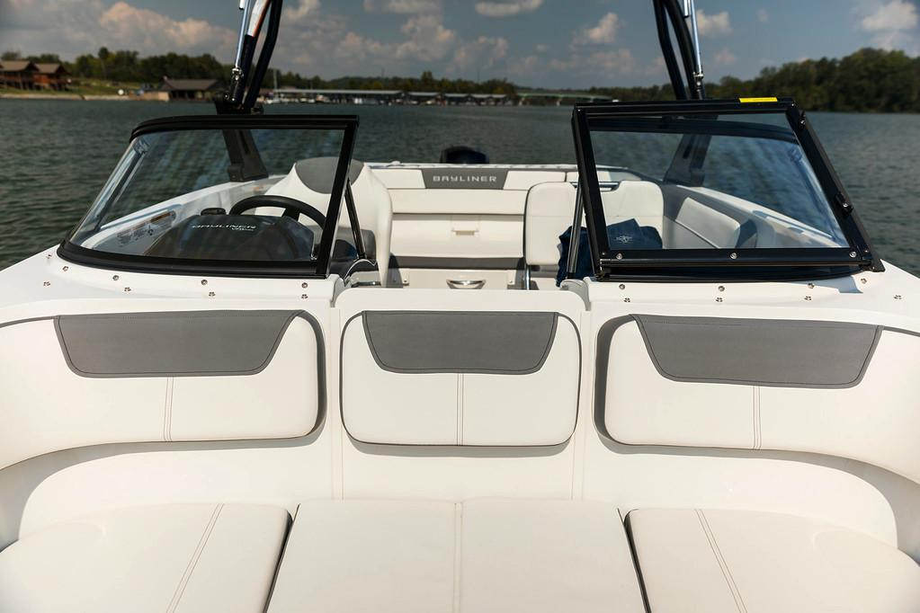 2021 Bayliner VR5 Bowrider OB in Lagrange, Georgia - Photo 9