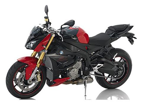 2018 BMW S 1000 R in Sioux City, Iowa