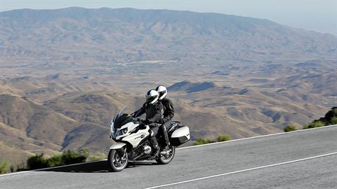2018 BMW R 1200 RT in Centennial, Colorado - Photo 2